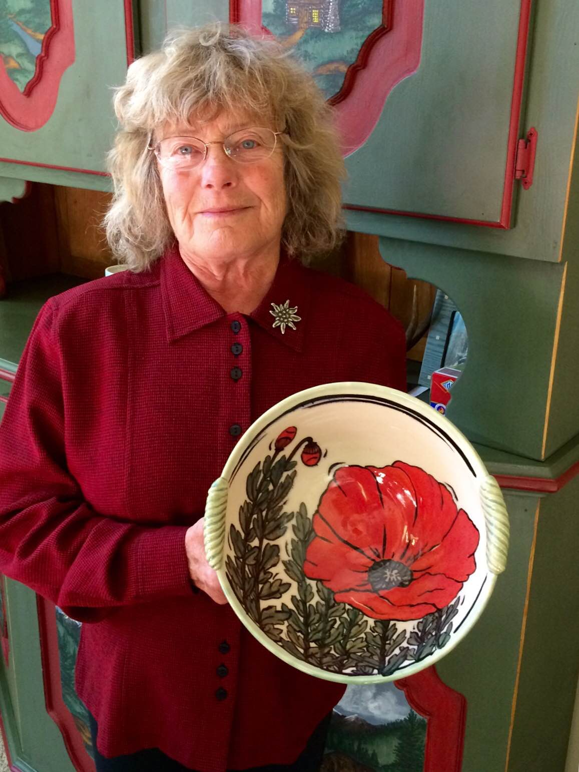 Shari Hoghead holds a favorite bowl