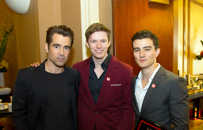 Ryan Miller/Capture Imaging for CinemaCon) Colin Farrell poses with the 2017 Coca-Cola and Regal Films program winners Tom Teller (Center) and Julian Conner (Right) at CinemaCon in Las Vegas.