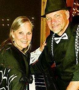 Live at the Vineyard:  Reno & Cindy – Advance Ticket Purchase Required @ Faith Hope & Charity Vineyard